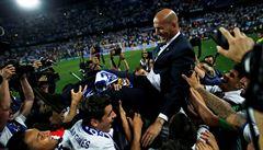 Nemít zkušenosti, to nevadí. Nemít titul, vadí. Realu se sázka na Zidaneho vyplatila