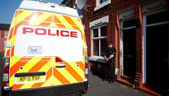 Razie pokračuje, britská policie zatkla v Manchesteru další dva podezřelé
