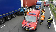 D1 do centra Prahy uzavřela havárie u Chodova. Vznikla devítikilometrová kolona