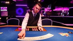 Adrenalin, strach a poslední metro. Jak se hraje v Česku poker o miliony?
