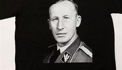 Hrnek či triko s Heydrichem za tři stovky. Policie řeší 25 'udání' na Naše vojsko