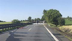 Nehoda cisterny uzavřela D46 z Olomouce na Prostějov. Tah uzavřen až do rána