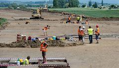 Pokračování hradecké dálnice se začne stavět později. Brzdí ho rozklad Dětí Země