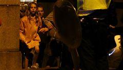 Útočníci bodali lidi do krku. Bylo to šílenství, popisují svědci paniku v Londýně