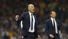 Z trenéra roku mužem na odstřel. Zidane stojí v klopýtajícím Realu na hraně