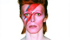 Popový génius David Bowie: od bot po lžičku na kokain
