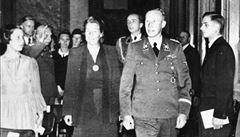 Život nacistické vdovy. Lina Heydrichová i po válce svého manžela obhajovala