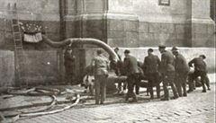 Nacisté donutili k 'boji' proti atentátníkům české hasiče. Jejich velitel po válce unikl popravě