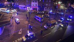 Další útok v Londýně: dodávka najela do muslimů u mešity. Jeden mrtvý, 10 zraněných
