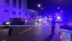 Útočníci na mopedu v Londýně napadli kyselinou pět lidí, jeden bude mít trvalé následky