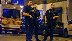 Žádal, abychom ho zabili, líčil muž, jenž srazil pachatele útoku v Londýně k zemi
