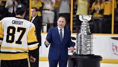 Základní část NHL by se nemusela dohrát, připustil poprvé její šéf Bettman