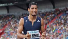 Jiný než Bolt, ale sakra rychlý. Van Niekerk studuje vysokou a stará se o něj teta