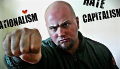 VIDEO: Křehký nácek přichází na plátno. Klusák představuje neonacistu Dalibora