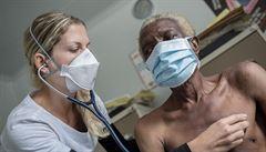 Tuberkulózu může dostat každý z nás, říká lékařka, jež s ní bojovala v Africe