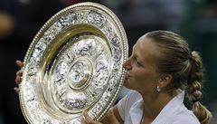 Suverénní Kvitová podruhé vyhrála Wimbledon, Bouchardovou smetla 6:3, 6:0
