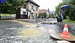 Déšť a voda ničily. V Černošicích evakuovali školu, Radotín byl zasažen nejvíc