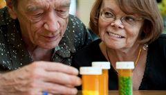 Seniorům a dětem se zřejmě sníží limity pro doplatky za léky