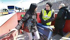 Konec portýrů v metru? Praha slíbila postavit eskalátory ve stanici Veleslavín