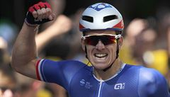 Francie má prvního vítěze ve sprinterské etapě Tour. Raduje se Arnaud Démare
