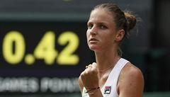 Plíšková na úvod Wimbledonu zvládla třísetovou bitvu, její sestra vypadla