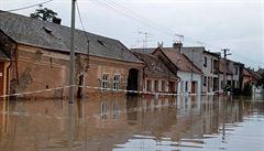 Povodně 1997 v LN: Voda zanechala spoušť a beznaděj jako válka, lidé museli dát naději