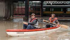 Povodně 1997 v LN: Místo oslav zaměstnaly obyvatele Holčovic povodně a komáří kalamita