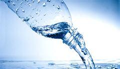 Většina zaměstnanců dostane v práci zdarma k pití jen vodu