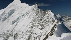 Turista zachránil autobus v Alpách před pádem ze srázu