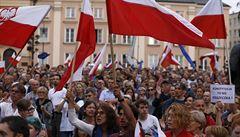 Polský Senát schválil reformu soudů. 'Zrádci,' znělo při masových protestech