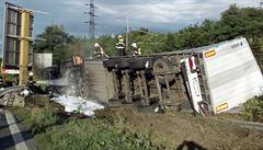 Nehoda na D1 ve směru na Ostravu uzavřela dálnici. K havárii letěl vrtulník