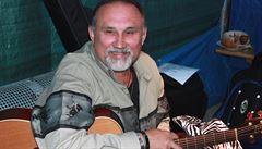 Tragédie na jevišti. Hudebník z kapely Taxmeni Karel Mrkvička zemřel při vystoupení