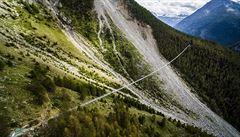 Až k nebeské výši. Ve Švýcarsku otevřeli nejdelší visutý most na světě