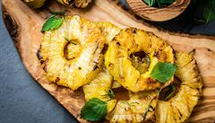 Na grilu si připravíte i dezert. Už jste zkoušeli grilovat ovoce?