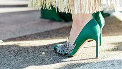 """""""Král bot"""" Manolo Blahnik navrhuje střevíčky barevné a hravé"""