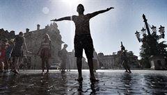 Vedra sužují Evropu. Lidé trpí zdravotními problémy, trápí se i zvířata, hrozí požáry
