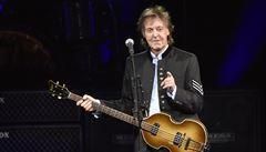 Text písně Hey Jude s McCartneyho podpisem se vydražil v přepočtu za 22,5 milionu korun