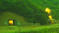 VIDEO: Varování pro Kima. Jižní Korea ukázala test rakety, která zničí i podzemní bunkr
