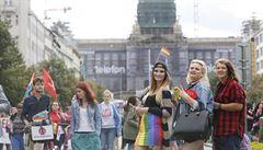 Průvod hrdosti gayů a leseb Prague Pride prošel centrem Prahy