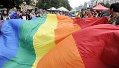 Prahou prošel v sobotu ,barevný' průvod Prague Pride