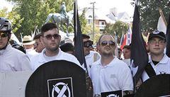 Ve Virginii najel do demonstrantů proti krajní pravici podporovatel Asada, jehož idolem je prý Hitler