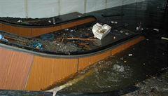 Objevila se zpráva, že se valila vlna a metro před ní ujíždělo, pak to popřeli, vzpomíná Laudát