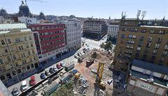 Demolice domu na Václavském náměstí skončila. Suť se bude odvážet několik týdnů