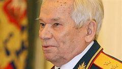 PROCHÁZKOVÁ: Hrdina Kalašnikov. Moskva chystá památník ruské gilotině