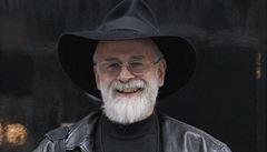 Zemřel autor Úžasné Zeměplochy sir Terry Pratchett
