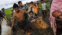 Nepokoje v Barmě: Rohingové bojují s policií, od srpna jich 90 tisíc prchlo ze země