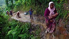 Rohingům v Bangladéši hrozí smrt, varuje organizace. Nemají vodu ani bydlení