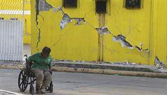 Co se sportem v rozbořeném Mexiku? Přeložení na neurčito je nejrozumnější