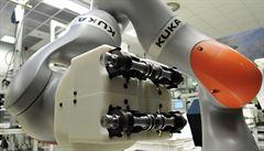 MACHÁČEK: Roboti nám práci neukradnou. Budou s námi kooperovat
