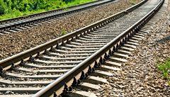 Mezi Frýdkem-Místkem a Českým Těšínem se propadla železniční trať